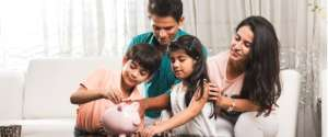 How to help your children form a healthy attitude about money from a young age