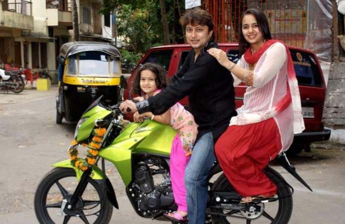 Men vs Women: The difference in buying a two-wheeler