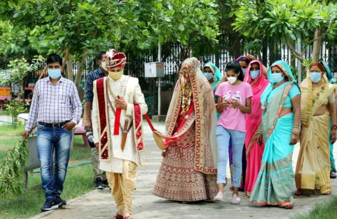 Getting married during COVID-19? Here are 6 things to keep in mind